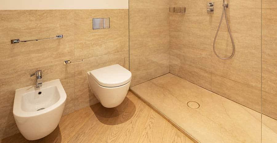 Revestimiento imitación madera baño